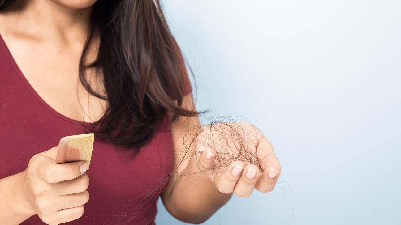آزمایش های تشخیصی ریزش مو | کلینیک شبانه روزی فولادشهر