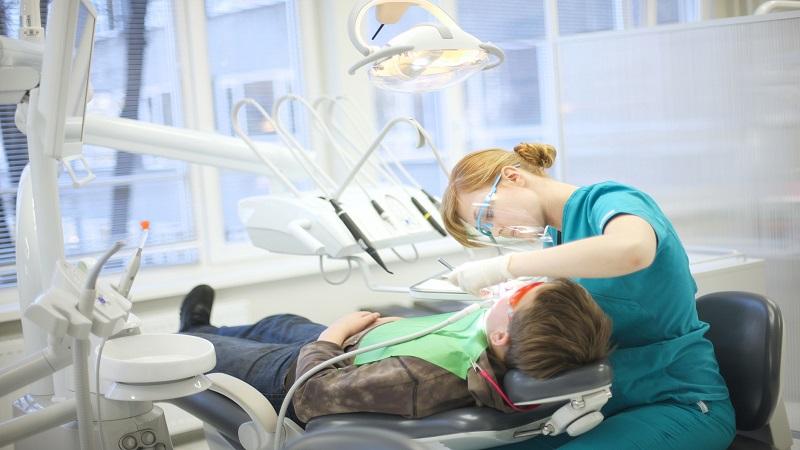 بیماری های دهان و دندان بزرگسالان و کودکان | کلینیک شبانه روزی فولادشهر